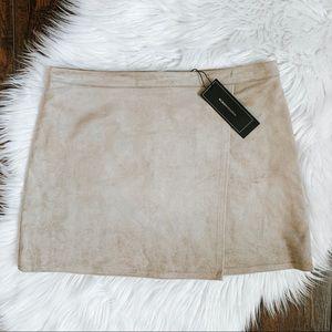 NWT BCBGMaxAzria Faux Suede Sabrina Mini Skirt S